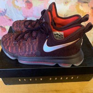 best sneakers 3c1a2 d8cbe Nike zoom KD9 Xmas Sauce